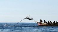 """Per i pescatori di Lamalera, un remoto villaggio che si trova sull'isola di Lembata nell'arcipelago indonesiano, il modo di vivere, da centinaia di anni a questa parte, non è mai cambiato, continuano la caccia alle balene e le uccidono a """"mani nude"""". Il Lamafa (capitano della barca) secondo tradizione è […]"""