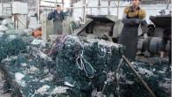 Shijiao, in Cina, è stata designata come centro mondiale per il riciclaggio delle vecchie e inutilizzabili luci dell'albero di Natale In questa piccola città di Shijiao, ci sono almeno nove stabilimenti impegnati a riciclare grandi quantità di luci dell'albero di Natale. Yong Chang Processing, uno dei stabilimenti, ogni anno, ricicla […]