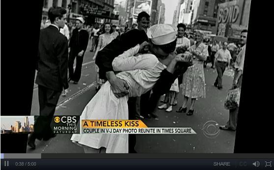 Il bacio del marinaio che ha fatto la storia