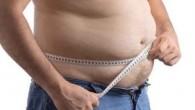 """I ricercatori dicono che perdere soli 2,5 centimetri del loro girovita, negli uomini può abbassare la probabilità di disfunzione sessuale e la frequente minzione. Steven A. Kaplan, professore di urologia presso la Weill Cornell Medical College, ha detto: """"Gli uomini con grandi fianchi hanno una maggiore probabilità di andare incontro […]"""