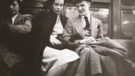 """Seguendo le orme di Walker Evans, un giovane Stanley Kubrick, nel 1940, durante il suo mandato come fotografo personale per la rivista Look, ha catturato i passeggeri della metropolitana di New York City, nei loro spostamenti quotidiani in una serie chiamata """"Life And Love On The New York City Subway"""". […]"""