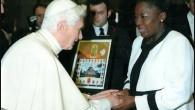 Il Papa Benedetto XVI ha dato la sua benedizione a Rebecca Kadaga, presidente del parlamento ugandese, che ha promesso, come regalo di Natale al popolo ugandese, di far passare il famigerato disegno di legge anti-gay. Rebecca Kadaga ha ricevuto la benedizione durante la Messa del 12 dicembre, lo stesso giorno […]