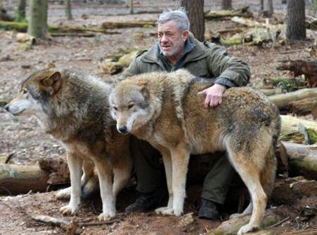 Werner Freund l'uomo che vive con i lupi - clicca per vedere altre immagini