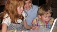 I bambini iniziano a guardare il porno dall'età di sei anni, e cominciano a flirtare su Internet a partire dall'età di otto anni. E' questo il risultato di un sondaggio condotto con oltre 19.000 genitori in tutto il mondo. I bambini accedono alla messaggistica istantanea e giochi per computer in […]