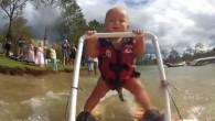 Ecco un futuro campione, si chiama Ryder ha sette mesigià pratica lo sci nautico sul lago Dyer nel Queensland in Australia. I suoi genitori utilizzano attrezzature adattate per aiutarlo a stare in piedi, comunque per tranquillizzare tutti, hanno aggiunto una nota importante: il bambino in realtà non è trainato da […]