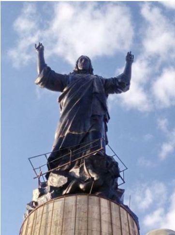 Gesù Cristo di bronzo in Siria più alto del Cristo Redentore di Rio de Janeiro