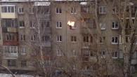 Il giovane conosciuto con il nome di Sanya Alexander, dopo il salto dal tetto di un palazzo di cinque piani, si è allontanato con una leggera zoppia. Il video (registrato da un suo amico è andato virale in Russia), lo mostra sul tetto del palazzo mentre un altro adolescente apparentemente […]