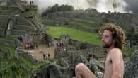Il Perù ha aumentato la sorveglianza nei popolari siti archeologici per contrastare una nuova tendenza di turisti che a Machu Picchu si fotografano nudie poi postano le immagini sui blog. Il portavoce del ministro della cultura ha detto: «Alcuni turisti hanno commesso atti irrispettosi ai siti storici. Abbiamo raddoppiato gli […]
