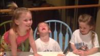Gunner ha sei anni, ha già due sorelline più piccole, scoppia in lacrime dopo aver tagliato la torta bianca e scoperto l'interno rosa, nel senso che è in arrivo un'altra sorellina. Gunner prima di crollare in lacrime sulla sua sedia esclama: «E' una bambina, è un'altra bambina! Odio le bambine! […]