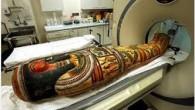 Egittologi del British Museum hanno esaminato una serie di antiche mummie e scoperto alcuni segreti inaspettati che sono stati letteralmente tenuti sotto chiave fino ad ora. Otto antiche mummie d'Egitto sottoposte a TAC negli ospedali di Londra, ha permesso agli scienziati di scoprire anche il nome di un uomo tatuato […]