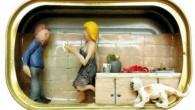 """Nathalie Alony (Natalica) è nata in Israele e vive e lavora a Mantova (Italia) e Tel Aviv (Israele). Una delle sue opere più popolari è""""Home Sweet Home"""", una serie di micro-sculture(clicca l'immagine per vedere altre micro-sculture) in cui Nathalie Alony ricrea scene di vita quotidianaframmenti di privacy con immagini di […]"""