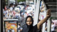 Le persone che protestano contro il colpo di stato militare in Thailandia hanno iniziato a utilizzare il segno atre dita, ricorda quello visto nel film The Hunger Games. Il segno con le tre dita centrali tenute sunel secondo filmdella trilogiaHunger Games,è stato utilizzato come espressione di protesta silenziosa contro uno […]