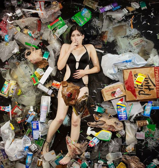 Gregg Segal - 7 Days of Garbage