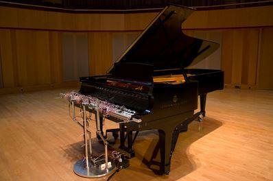 Cloud Piano pianoforte suonato della nuvole