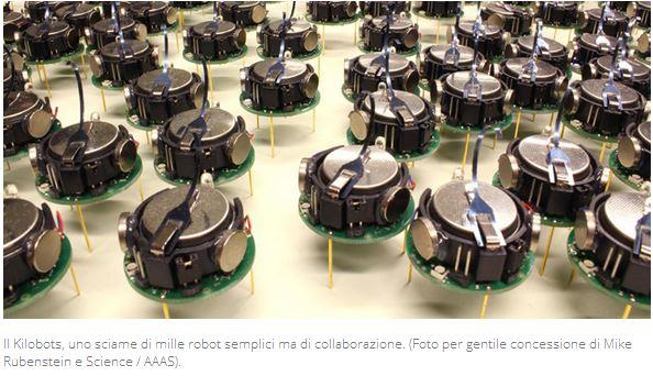 Kilobots robot in miniatura