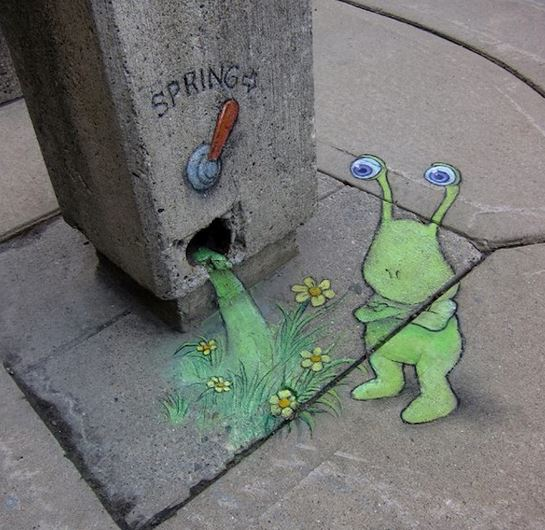 Sluggo lumaca aliena di David Zinn