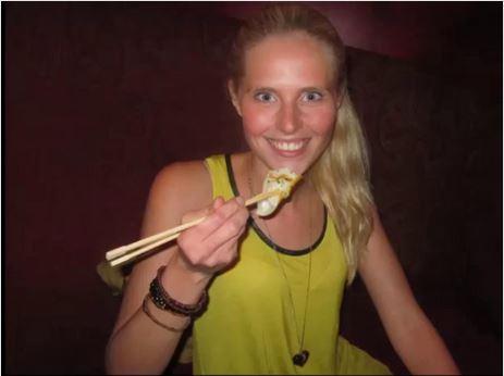 Zilla van den Born finto viaggio in Thailandia