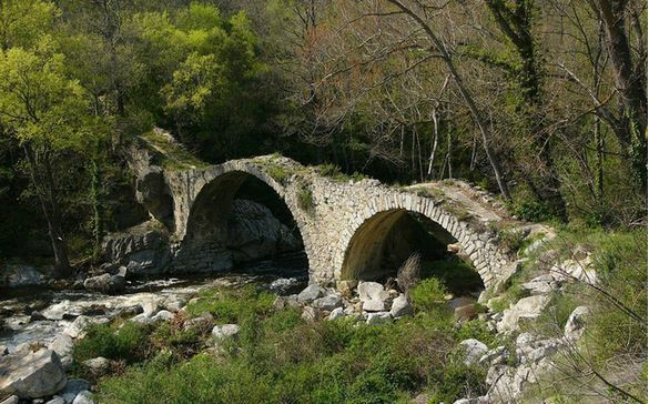 12) Antico Ponte Rovina, nel sud della Francia