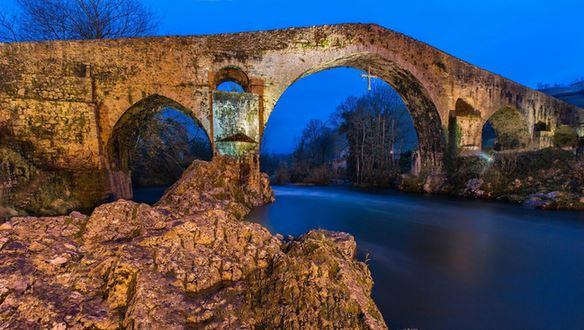 14) Cangas de Onis, Asturias, Spagna