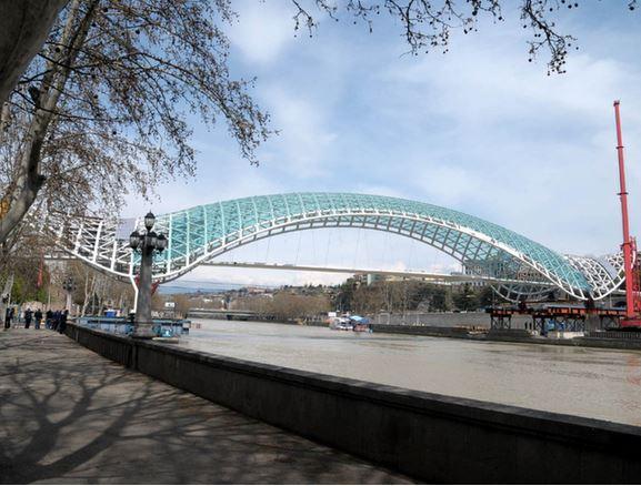 22) Ponte della Pace, Tbilisi, Georgia