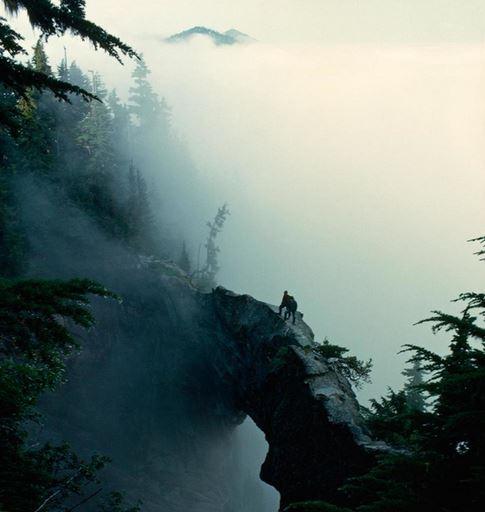 26) Ponte nelle nuvole, Monte Rainier, Washington, Stati Uniti d'America
