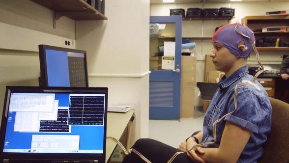 Arielle Duhaime-Ross controlla il computer con la mente