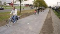 SolaRoad la prima pista ciclabile solare al mondo è stata costruita a Krommenie, estrema periferia a nord di Amsterdam. L'idea progettuale di base è semplice: la luce solare che colpisce la superficie stradale è assorbita da celle solari e convertita in elettricità, in questo modo troverà diverse applicazioni pratiche per […]