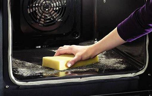 pulizia forno con bicarbonato di sodio