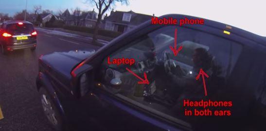 Automobilista multi-tasking a livelli pericolosi