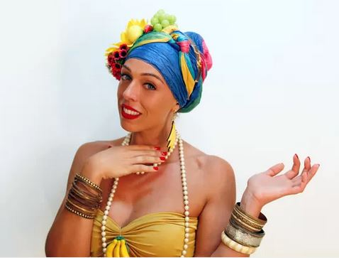 Sharon Azulay costume di carnevale video