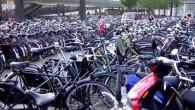 Amsterdam è conosciuta come un paradiso per i ciclisti. L'utilizzo della bicicletta come mezzo di trasporto è così comune nella capitale olandese al punto che la città adesso deve affrontare un problema serio, non ha abbastanza spazio da dedicare al parcheggio. La situazione è preoccupante, il governo locale ha annunciato […]