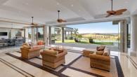 Una sontuosa villa in Chirnside Park ha creato molta frenesia online quando è stata messa in vendita al prezzo orientativo di 6 milioni di dollari. La villa di sei stanze da letto, sei bagni, una piscina di 24 metri a sfioro (è caratterizzata dall'avere il filo superiore dell'acqua allo stesso […]