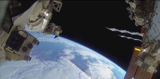 Passeggiata spaziale in dettaglio GoPro