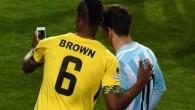 I giocatori di calcio tradizionalmente a fine partita scambiano la maglia con l'avversario. Deshorn Brown (gioca in Norvegia con il Valerenga) attaccante della nazionale giamaicana, nella notte di sabato a fine gara di Coppa America, persa 1 a 0, contro l'Argentina (gol di Gonzalo Higuain), ha preso il suo cellulare, […]