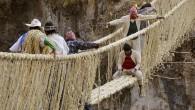 Il ponte Q'eswachaka in Perù ogni anno è ricostruito dalle comunità locali utilizzando tradizionali tecniche d'ingegneria Incas. Il ponte dal tempo degli Incas è stato continuamente ricostruito nella stessa posizione. L'intero ponte a 3.700 metri sul livello del mare, lungo 28,67 metri, a un'altezza di 50 metri dal suolo, attraversa […]