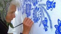 Dicono che l'età è solo un numero, Agnes Kašpárková, una nonna del villaggio ceco di Louka, in Moravia meridionale (Slovacchia), è un esempio perfetto. L'adorabile artista all'età di ottantasette anni trascorre ancora la maggior parte del suo tempo libero a fare quello che le piace di più, pitturare a mano […]