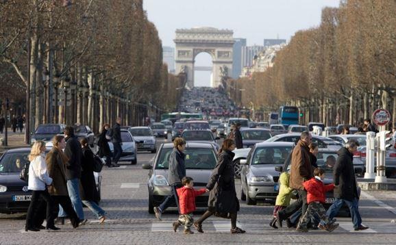 Parigi inquinamento nanotubi di carbonio trovati nei polmoni dei bambini