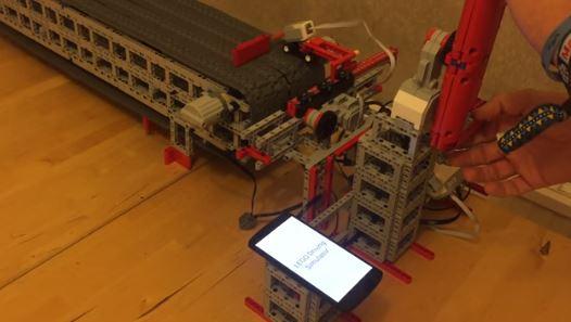 Simulatore guida Lego pericolo cellulare al volante