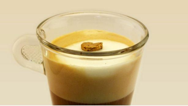 Pepita d'oro 20 carati più leggera schiuma di latte