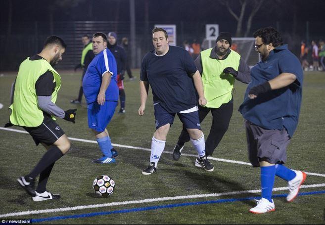 Campionato di calcio giocatori obesi