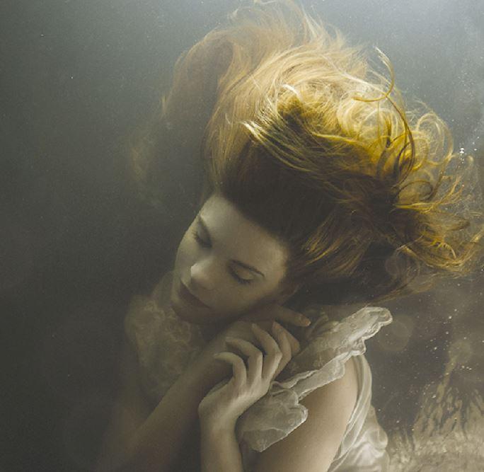 Ritratti sott'acqua di Mira Nedyalkova