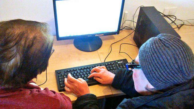 Alzheimer anziani ridotto utilizzo computer