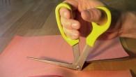 Hai mai usato un paio di forbici per tagliare un oggetto, solo per trovare la mano a ostacolare il movimento? Il designer Shane Vermette fondatore di ReExciteper eliminare questo problema ha reinventato la forma della forbice. L'innovazione si chiama RighShears, rispetto alle forbici tradizionali, ha le lame poste ad angolo […]