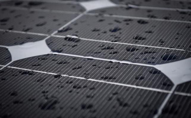 pannelli solari pioggia e sole