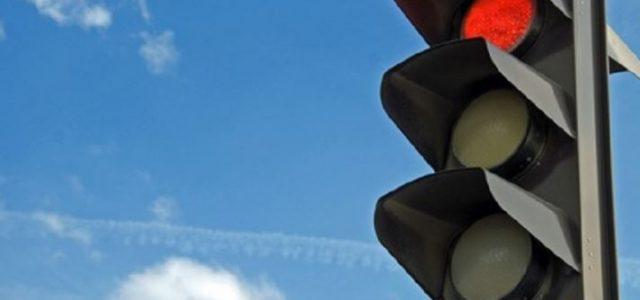 La startup di nome Surtrac a Pittsburgh negli Stati Uniti nel corso degli ultimi due anni ha aggiornato la rete semaforica con l'intelligenza artificiale. Le luci raccolgono i dati sulla quantità di traffico da telecamere e segnali radar, la rete coordinata agli incroci assicura il passaggio più veloce di tutto […]
