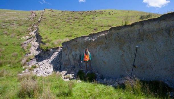 parete-rocciosa-creata-da-terremoto-in-nuova-zelanda