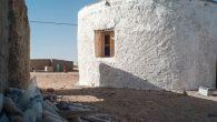Le case costruite con mattoni di fango (composto di una miscela di argilla, terra, sabbia e acqua, mescolato con un materiale legante come fibre di riso, di canne o di canapa), nei campi profughi Sahwari anche se si trovano nel sud dell'arida Algeria, periodicamente sono colpite da forti piogge che […]