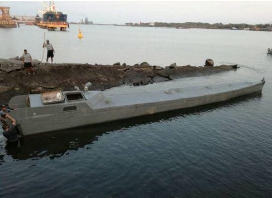Imbarcazione VSV molto sottile costruita dai narcotrafficanti
