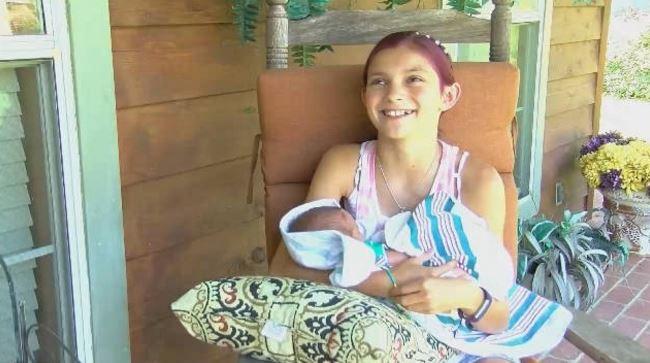 Jacée Dellapena in sala parto ha aiutato la mamma a partorire