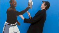 """Tezi Gabunia artista nato nel 1987 a Tsibilisi, in Georgia, ha creato una serie di dipinti che cambiano il nostro modo di vivere l'arte. Invece di limitarci a guardare, le sue opere in realtà ci consentono di far parte delle composizioni. La serie chiamata """"Completa la pittura"""", è caratterizzata da […]"""